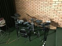 Roland TD-30K (TD30K) electronic drum kit + HH/kick pedals + stool