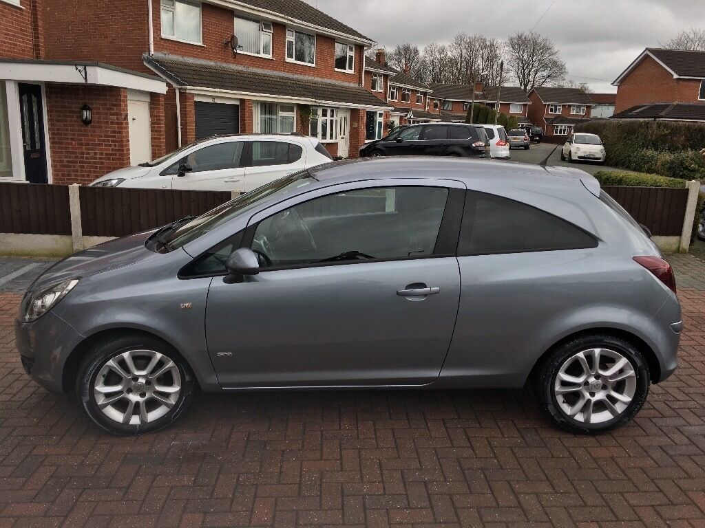 vauxhall corsa sxi 2009 1 2 petrol grey in worsley manchester gumtree. Black Bedroom Furniture Sets. Home Design Ideas