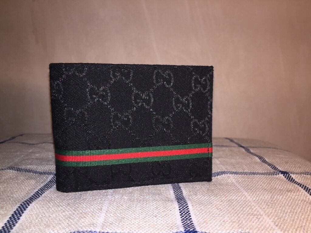 cf9b87894385fc mens wallet & small messenger bag gucci louis vuitton | in Ayr, South ...