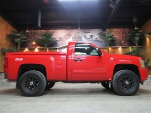2010 Chevrolet Silverado 1500 **  CUSTOM VIPER RED SHORTY  **