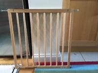 Adjustable wood Stair gate