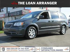 2011 Chrysler Town and Country Cambridge Kitchener Area image 1