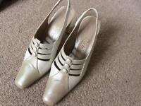Cream and beige smart shoes size 4