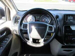 2011 Chrysler Town and Country Cambridge Kitchener Area image 12