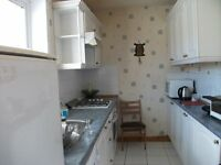 3 bedroom, Semi-detached villa: fully furnished,own driveway with nice garden, central heating