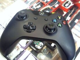 XBOX ONE CONTROLLER, USED, FULL 6 MONTHS WARRANTY