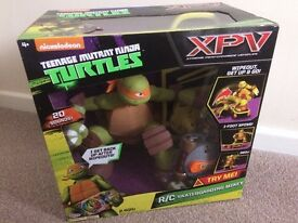 NEW Teenage Mutant Ninja Turtles Skateboarding Mikey Remote Control Toy *BNIB* !