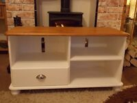 SHABBY CHIC TV CABINET PAINTED IN ANNIE SLOAN PURE WHITE