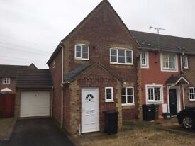 Three bedroom semi detached house in Locking Castle to rent