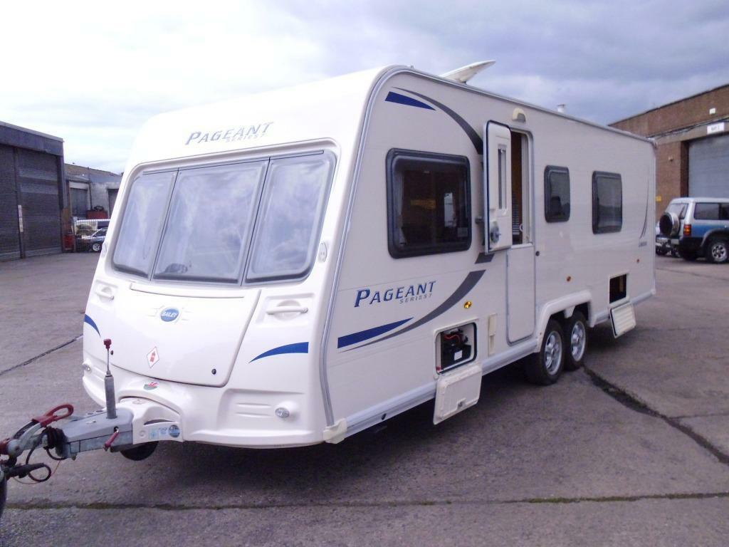 Bailey Pageant limousin FIXED BED rear washroom 4 Berth ...