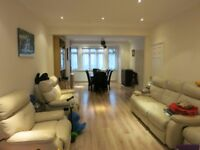 3 BED HOUSE IN GOLDERS GREEN CLOSE TO BRENT CROSS TUBE STATION NW11