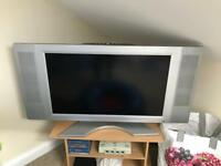 "32"" fully working TV"