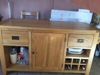 Solid oak kitchen island with four matching oak kitchen stools