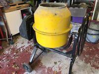 Concrete mixer, nearly new