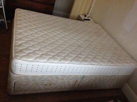 King size silentnight Duvan bed and mattress