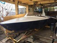 Aluminium Delta, Boat
