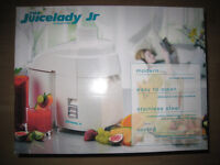 Juicer - Juicelady Jr by Russell Hobbs - BARGAIN at £7.50!