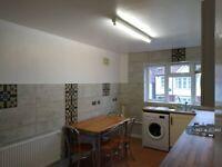 2 bedroom flat in Dagmar Avenue, Wembley, HA9 (2 bed) (#357482)