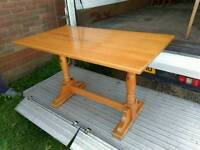 Pine dining tables (10 in total)