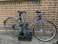 Medium size women's bike in good condition- Raleigh frame