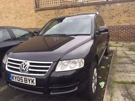 VOLKSWAGEN TOUAREG 2.5 TDI Sport 5dr BLACK AUTOMATIC. SAT NAV FAMILY SUV 4X4 CLEAN £4950 ono