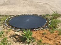 Free trampoline - 2.5m - full working order