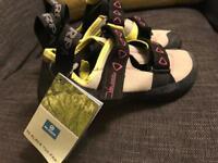 Scarpa climbing shoes EU size 40 UK 6.5
