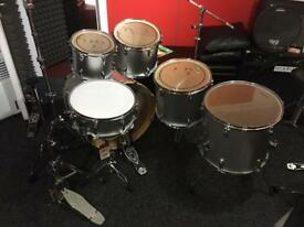 Mapex V Series Shell Pack Drum Kit with Hardware