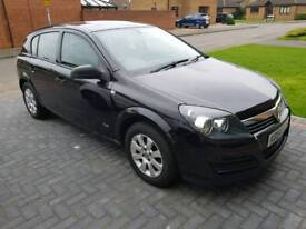 VAUXHALL ASTRA 1.6 CLUB 2004 5DR BLACK VERY LOW MILEAGE 62K FSH 12 MONTHS MOT