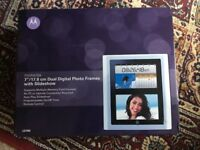 Motorola 7 inch Dual Digital Photo Frame with Remote Control NEVER USED