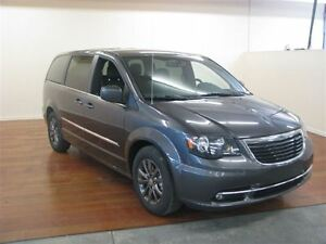 2015 Chrysler Town & Country S CUIR NAV DVD HITCH *ON VOUS ENDOS