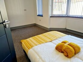 COUPLES ENSUITE room for rent in HENDON NW44LE all bills INCLUDED