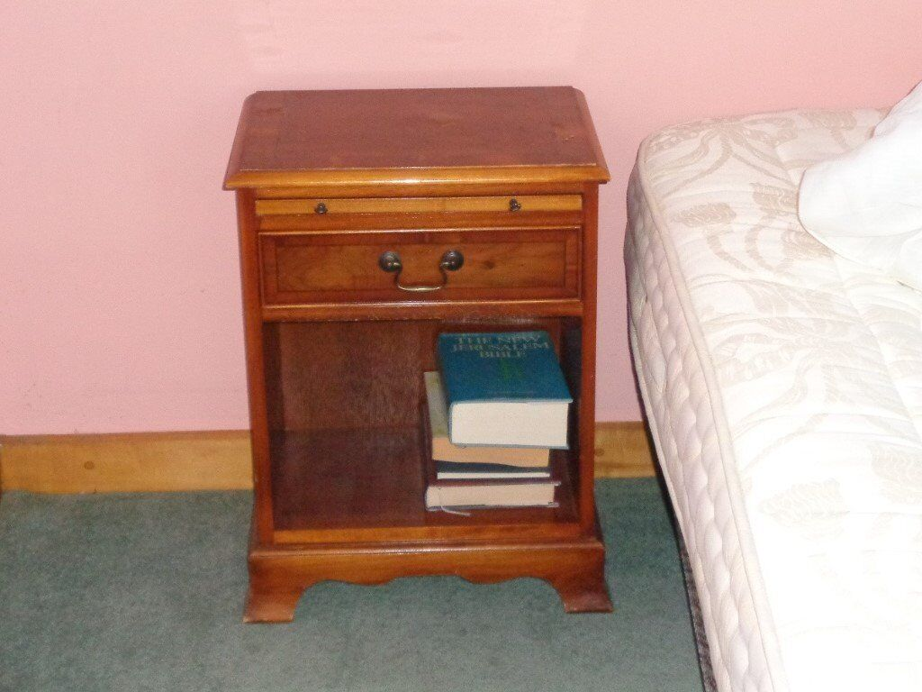 1 drawer reproduction wooden bedside unit