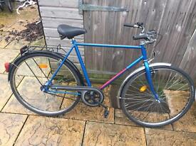 "Dutch Gents Bike. Great condition. 22.5"" Frame, Serviced, Free Lock, Lights,Delivery"