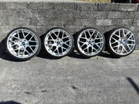 Set of alloy wheels