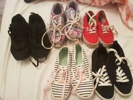 Girls shoes size 2/12.5