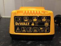 Dewalt battery charger model DE9116, type 2 , 7.2V -18V //EXCELLENT CONDITION //