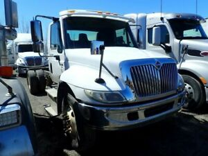 2006 International 4300 SBA