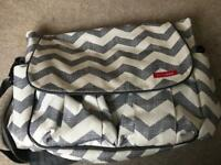 Skip*Hop Chevron messenger baby changing bag