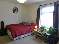 One housemate wanted for large room with en suite - three-person share in Horfield/Bishopston