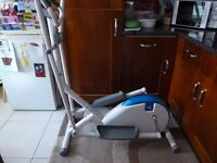 Cross Trainer exercise Machine *Reduced*
