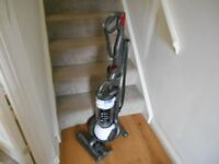 DYSON DC 25 i WHITE BALL WHITE ROOTS EXCELLENT CONDITION AND STRONG SUCTION WITH 2 TOOLS