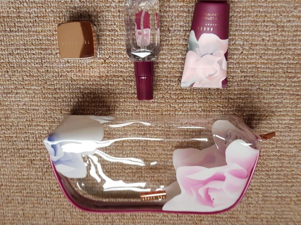 8fb0de68916f74 Ted Baker Little Luxuries Mini Beauty Bag