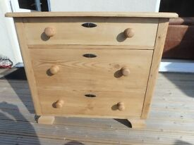 CHEST OF DRAWERS -OLD PINE