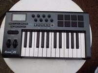 M- AUDIO AXIOM 25 MIDI KEYBOARD