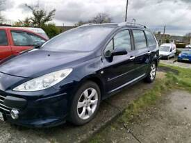 Peugeot 307 sw alloy wheels and 4 good tyres