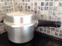 Pressure cooker £10