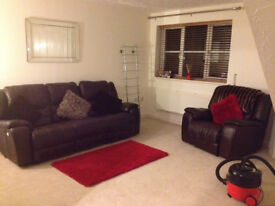 """Brown """"lazyboy- style"""" leather sofa and chair for sale - £300 for set"""