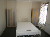 2 SINGLE ROOMS AVAILABLE IN UPTON PARK