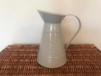 DECORATIVE GREY FLOWERS AND GARDEN JUG, 21cm